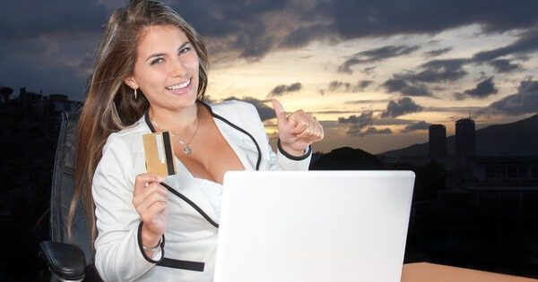 Top 5 Benefits of Shopping Online